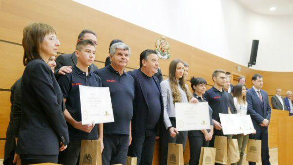 Общинските съветници на крака за младите олимпийци на Пловдив - СУ Васил Левски - Пловдив