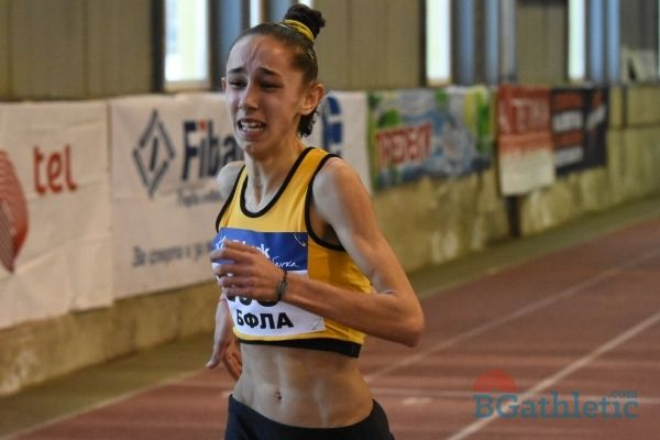 Лиляна Георгиева сложи на свое име осмия си национален рекорд за 2017 г. - СУ Васил Левски - Пловдив