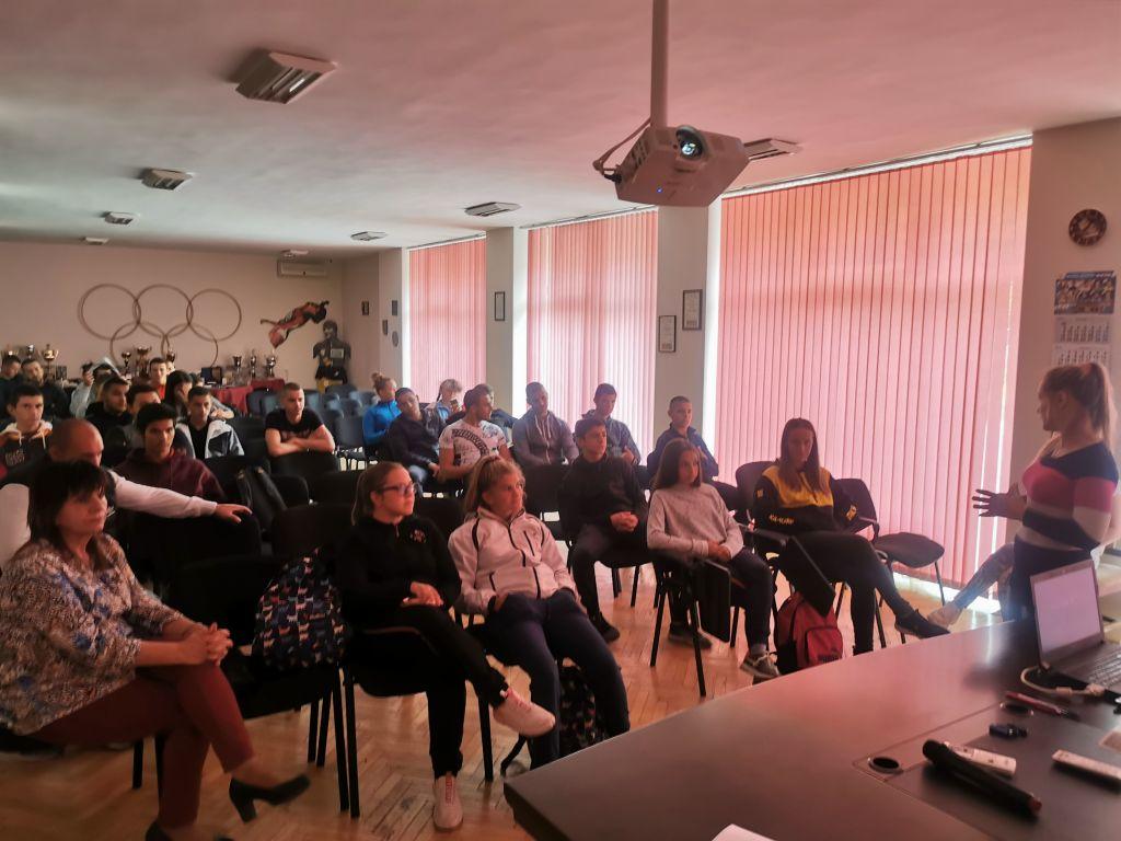 Лекции по теми, свързани с въпроси засягащи наркотичните и психоактивните вещества - СУ Васил Левски - Пловдив